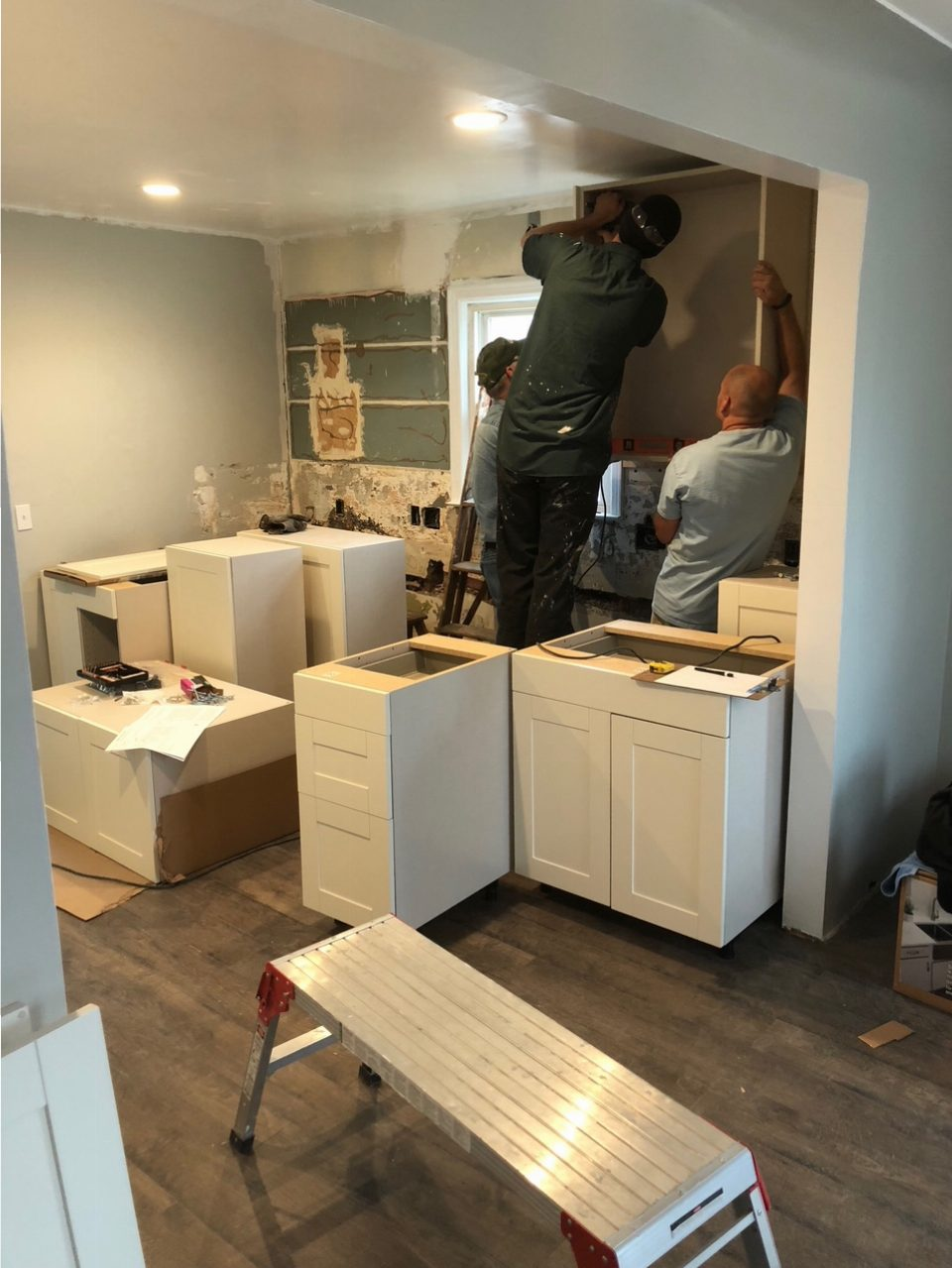 Installing Kitchen Cabinets It Is Coming Together Vh Homes